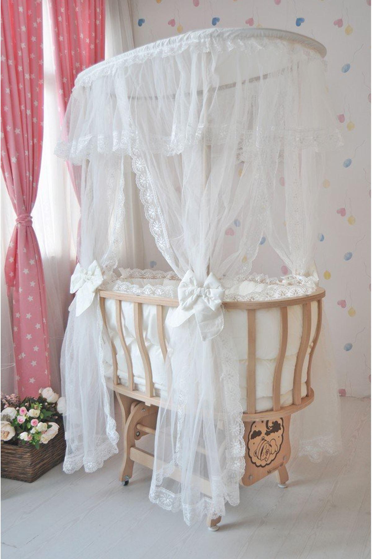 Krem Fransız Dantel Uyku Setli Doğal Ahşap Çatılı Sepet Beşik