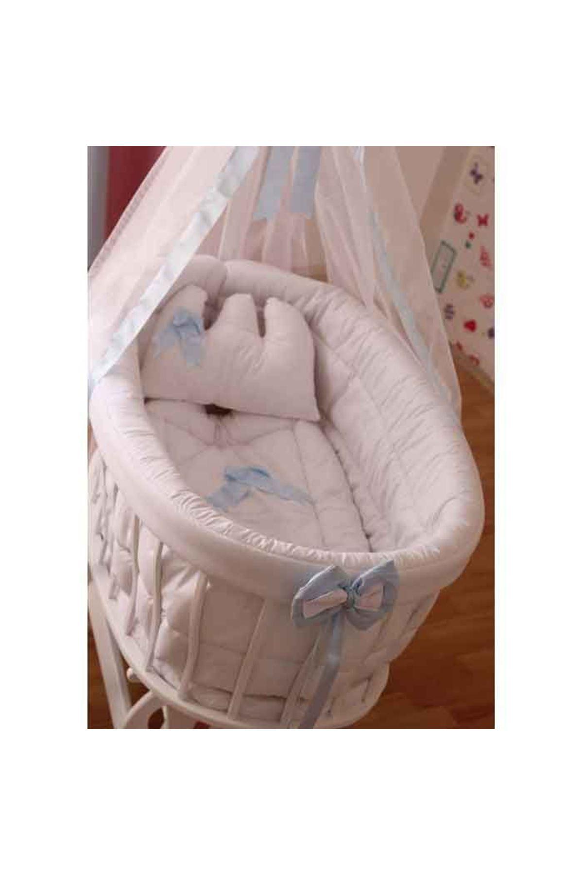 Mavi Fiyonklu Beyaz Uyku Setli Beyaz Ahşap Sepet Beşik