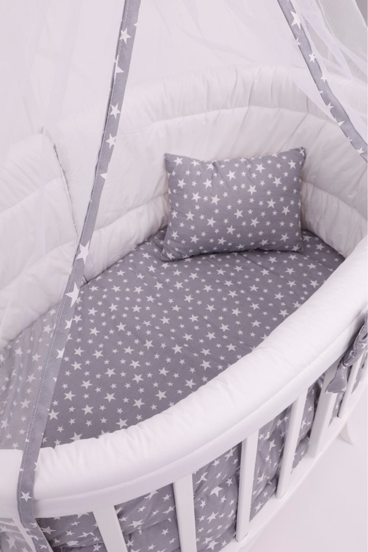 """Amedan Beyaz Sepet Beşik """"Gri Yıldızlı Uyku Seti"""" ile"""