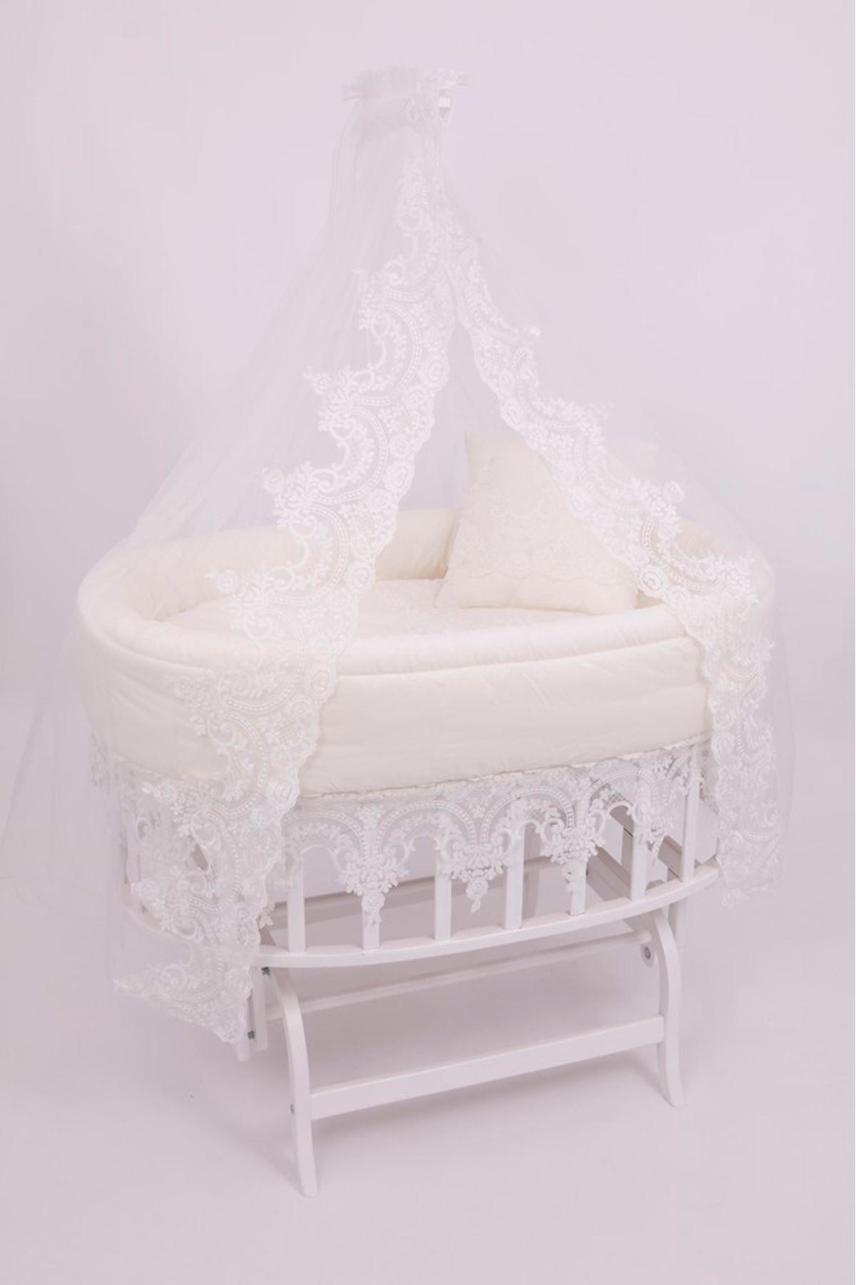 """Amedan Beyaz Sepet Beşik """"Osmanlı Dantelli Uyku Seti"""" ile"""