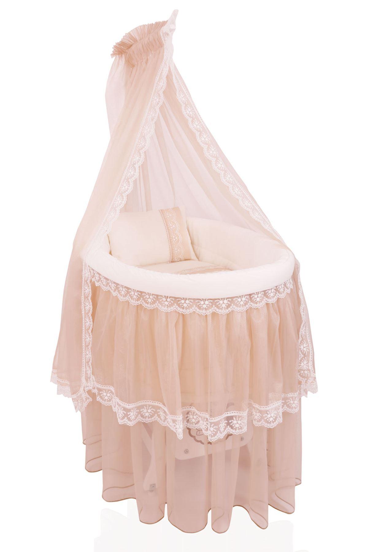 سرير بيضاوي أبيض زكزاك فضي